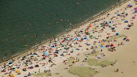 Drei Euro müssen auswärtige Gäste für den Strandbesuch entrichten.
