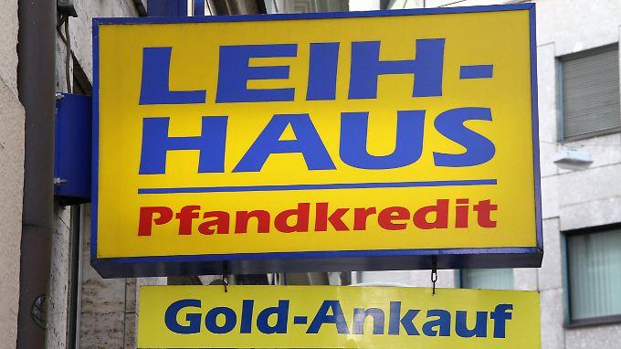 In Deutschland gibt es über 200 Pfandleihhäuser. In den letzten Jahren haben sie online Konkurrenz bekommen.