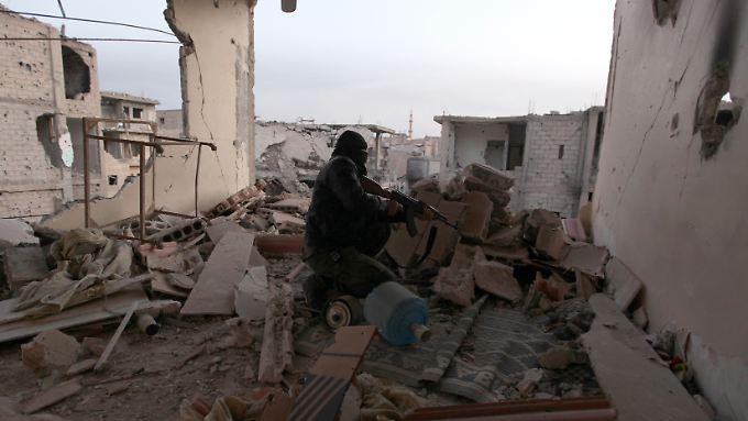 Archivbild von 2014: Ein Teil der ostsyrischen Stadt Dair as-Saur wurde bislang von Assad-Truppen kontrolliert.