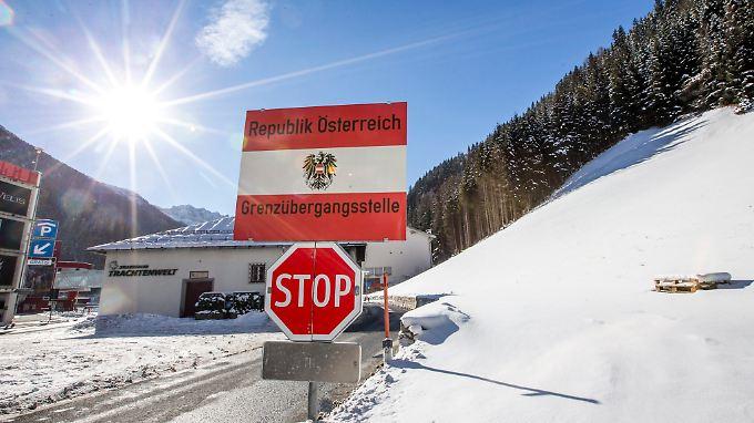 Grenzübergang in Tirol: Einen Großteil der Registrierungsarbeit lädt Griechenland auf EU-Binnenstaaten ab.