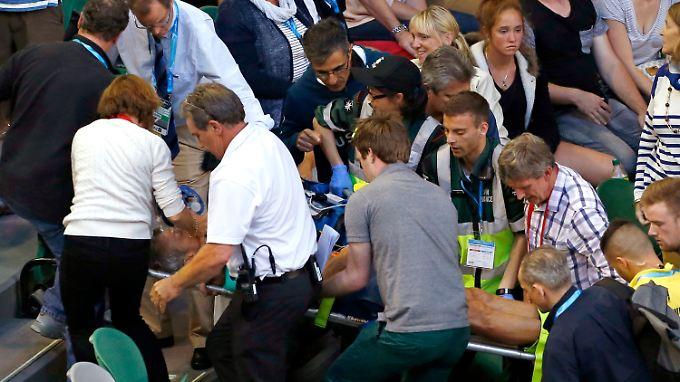Nigel Sears musste ins Krankenhaus gebracht werden.