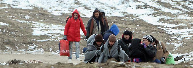 Der IS-Terror treibt Millionen Menschen in die Flucht. Viele verlassen die Camps im Nordirak, weil sie keine Hoffnung auf einen Rückkehr in ihre alte Heimat haben.