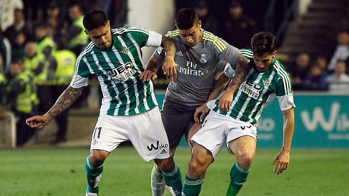 Die hochkarätige Real-Offensive um James Rodriguez fabrizierte gegen Betis Sevilla nur ein Tor. Das reichte dann auch nur zu einem Punkt.