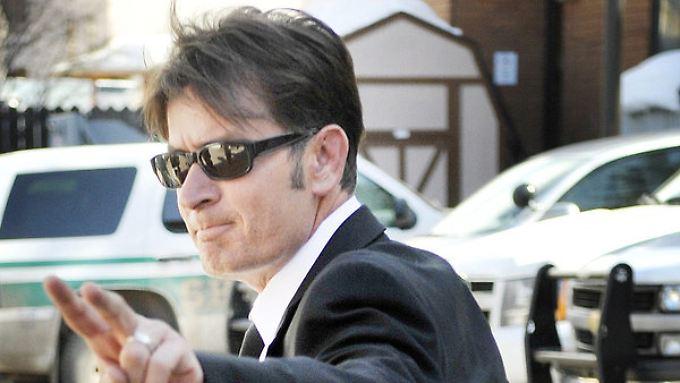 Promi-News des Tages: Charlie Sheen streitet mit Exfrau ums Geld