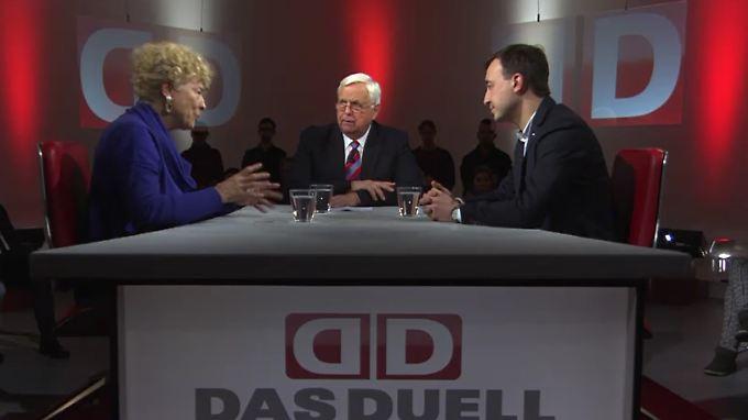 Gesine Schwan, Heiner Bremer und Paul Ziemiak debattieren über den Umgang mit Flüchtlingen.