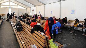 n-tv vor Ort an mazedonischer Grenze: Deutschland bleibt weiterhin Traumziel vieler Flüchtender