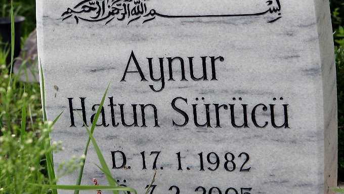 Hatun Sürücüs Grabstelle in Berlin-Gatow.
