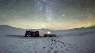 Promi-News des Tages: Ellie Goulding bricht mit Auto auf zugefrorenem See ein