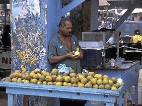 Auf dem Markt von Samana gibt es viele einheimische Früchte.