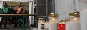 Kerzen für ein Hirngespinst: Viele Menschen hatten die Geschichte des Lageso-Helfers geglaubt.