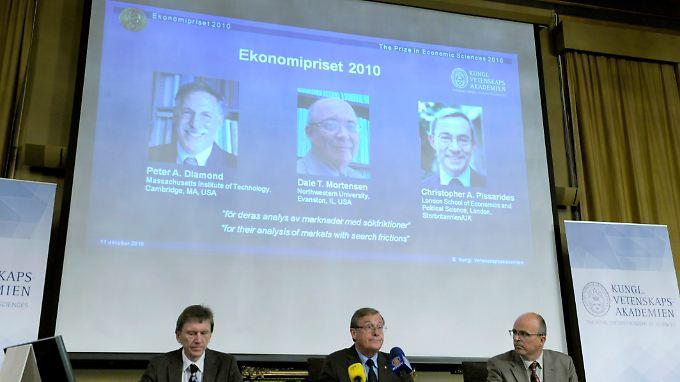 """Die Königliche Akademie der Wissenschaften spricht: """"Ekonomipriset 2010"""" in Stockholm."""