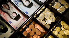 HDE: Hoffen auf Flüchtlingszustrom: Einzelhandel erzielt höchstes Umsatzplus seit 20 Jahren