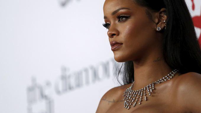 Immer wieder wird Rihanna von Stalkern bedroht. Nun schickte einer ein Video, dass ihn beim Onanieren zeigt.