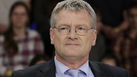 Not amused: Den AfD-Vorsitzenden Jörg Meuthen ärgert, dass sich Petry überhaupt zum Schusswaffengebrauch geäußert hat.