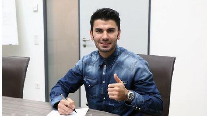 Unterschrieben: Serdar Tasci heuert beim FC Bayern München an.