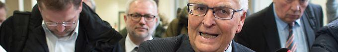 Der Sport-Tag: 13:24 Zwanziger kündigt Klage gegen Schweizer Ermittler an