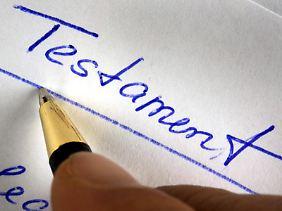 Beim Verfassen von einem Testament muss man ein paar Dinge beachten.