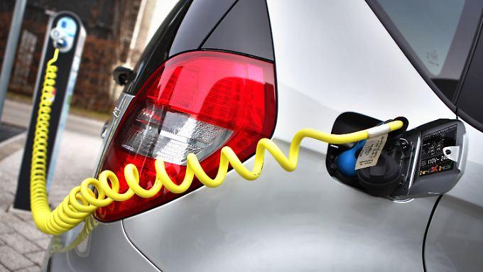 Eines der Knackpunkte der Elektromobilität: das noch löchrige Netz an Ladestationen.