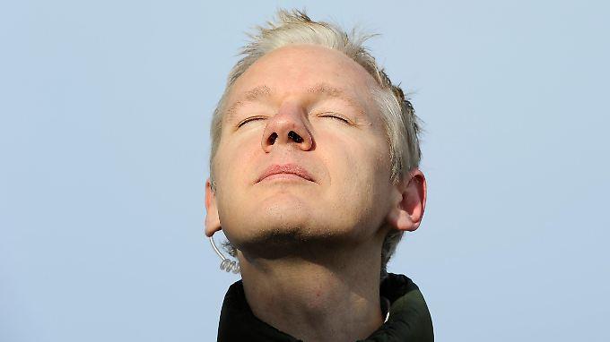 Nach ersten Informationen hat das Gremium Julian Assange recht gegeben.