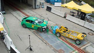 Hoffnung auf weniger Verkehrstote: ADAC entwickelt neuen Test für Knautschzonen