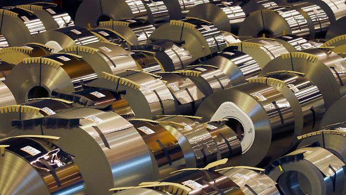 Die Papiere von Arcelormittal büßen im frühen Handel 7,5 Prozent an Wert ein.