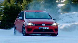 Heiße Drifts auf kaltem Grund: Alter und neuer VW Golf duellieren sich im Schnee