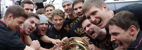 """""""Wir müssen das konsequent nutzen"""": Für Handballer nimmt die Feierei kein Ende"""