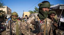 Angriff auf historische Stadt: Islamisten greifen UN-Stützpunkt an