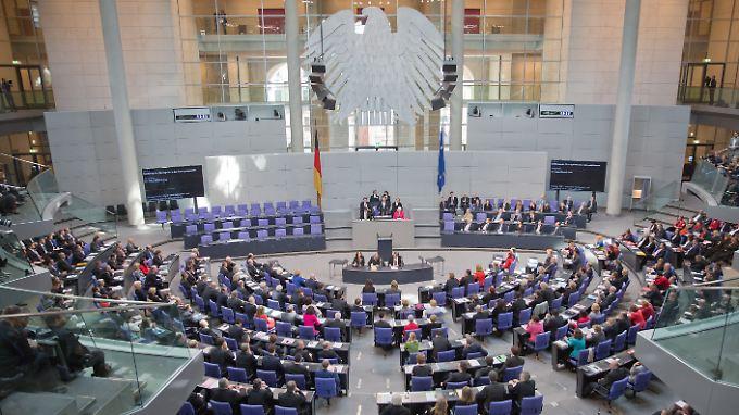 Jeder Bundestagsabgeordnete könnte ab Juli 250 Euro mehr im Monat verdienen - ganz ohne Diskussionen.