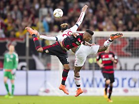 Der Eindruck täuscht: Grazil und spielerisch anmutig ging es im Duell zwischen Bayer und Bayern in keiner Sekunde zu.