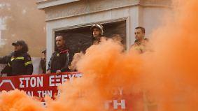 Versprechen ja, handeln nein?: Vergessene Krise in Griechenland schwelt weiter
