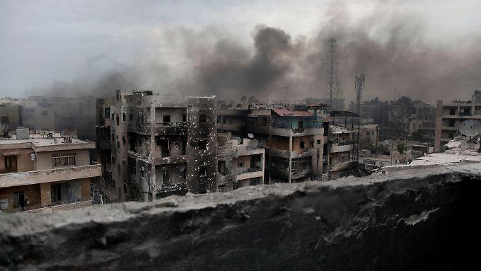 In den Ruinen von Aleppo harren noch 350.000 Menschen aus.