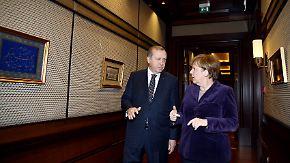 Tausende Syrer an türkischer Grenze: Erdogan weiß seine starke Verhandlungsposition zu nutzen