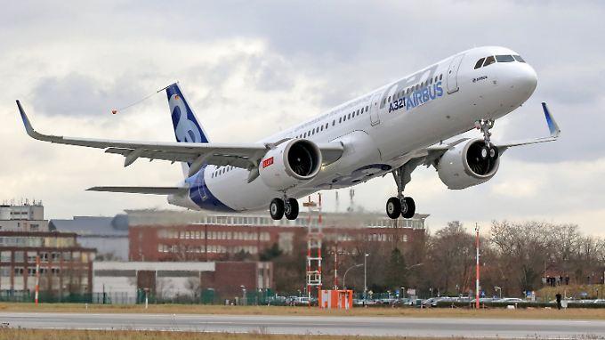 Die Testmaschine hebt ab: Airbus verbindet mit der A321neo große Hoffnungen.
