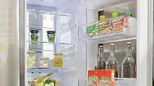 Wird der Kühlschrank geöffnet, kostet das jedesmal Strom - das kann bei zehnmaligem Öffnen am Tag rund 20 Cent pro Woche ausmachen.