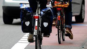 Einen klar abgetrennten Radweg finden viele Radfahrer besser.