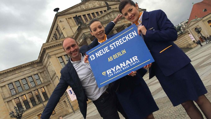 Kenny Jacobs will mit Ryanair weiter den deutschen Markt erobern - und attackiert die Konkurrenten.