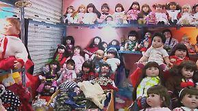 Glücksbringer und Kinderersatz: Kurioser Puppen-Hype spaltet Thailand