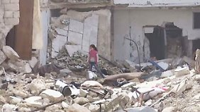 Seltene Bilder aus dem belagerten Aleppo: Kinder spielen zwischen Trümmern und Blut