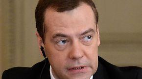 """Türkei erwägt Bodentruppen für Syrien: Medwedew: """"Wir sind in einen neuen Kalten Krieg gerutscht"""""""