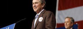 George W. Bush ist zurück: Der große Bruder soll Jeb Flügel verleihen