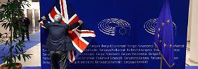 """Verhandlungsnacht um den """"Brexit"""": David Cameron reist mit drei Hemden an"""