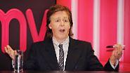 ... Paul McCartney leider draußen bleiben. Grund dafür: Der Türsteher hat ihn nicht erkannt. Peinliche Situation, doch McCartney reagierte wohl ganz amüsiert und stieg nach wenigen Minuten in sein Auto und fuhr unverrichteter Dinge davon.
