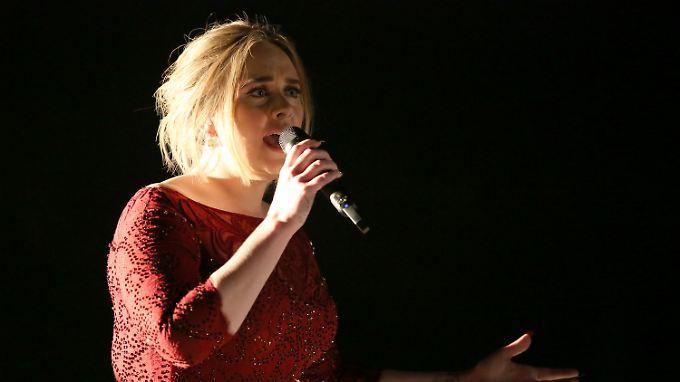 Sie war einfach erstarrt durch das Tonproblem, erzählt Adele.