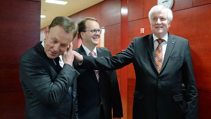 Offensichtlich nicht die besten Freunde: Thomas Oppermann (l.) und Horst Seehofer.