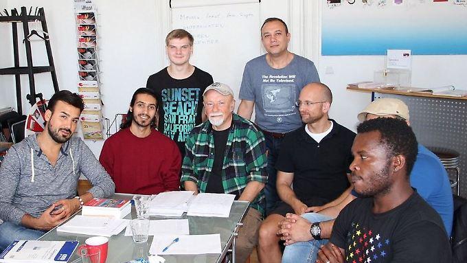 Der Lesben- und Schwulenverband in Berlin-Brandenburg sucht Mentorinnen und Mentoren für homosexuelle und transgeschlechtliche Flüchtlinge.