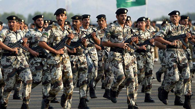 Saudi-Arabien hält mittlerweile einen Weltmarktanteil von sieben Prozent an den Waffenimporten.