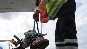 Einmal voll tanken kostet die Airlines momentan deutlich weniger als in den vergangenen Jahren.