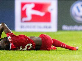 Hannover 96 liegt am Boden - Hoffnung im Abstiegskampf gibt's kaum noch.