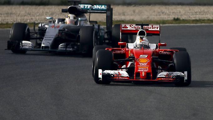 Ein Fingerzeig für die Saison? Vettel fährt bei den ersten Tests schneller Hamilton.